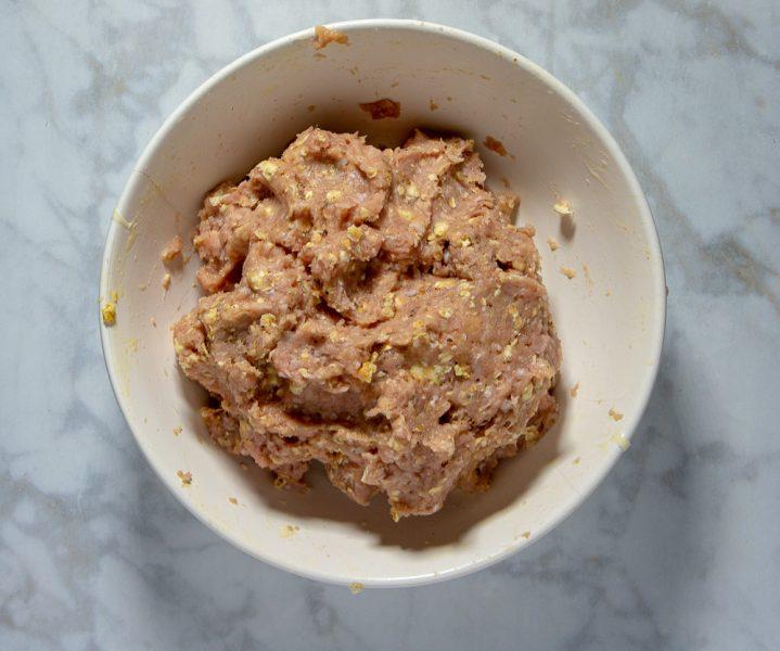 Bowl of seasoned turkey meat
